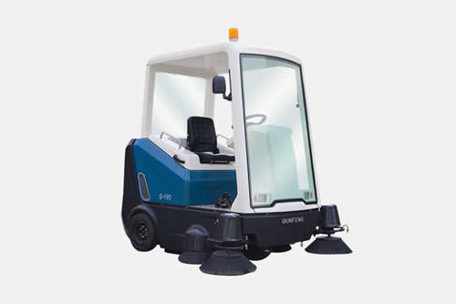 Electric Street Sweeper